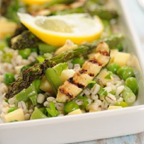 Salatka-z-wiosennych-warzyw