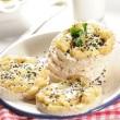 Wafle-ryzowe-z-pieczonym-bananem-i-jogurtem-curry