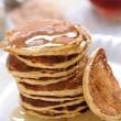 Wielozbozowe-pancakes-z-otrebami-na-maslance